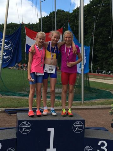 Julia op het podium Nationale A-Games 2014